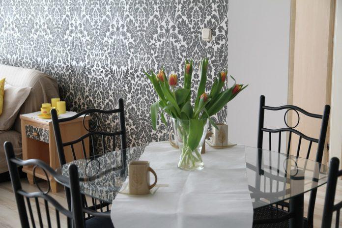 Modny stół do salonu