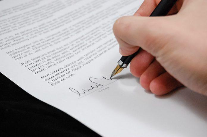 Pozwolenie na budowę hali przemysłowej – jakie dokumenty są potrzebne