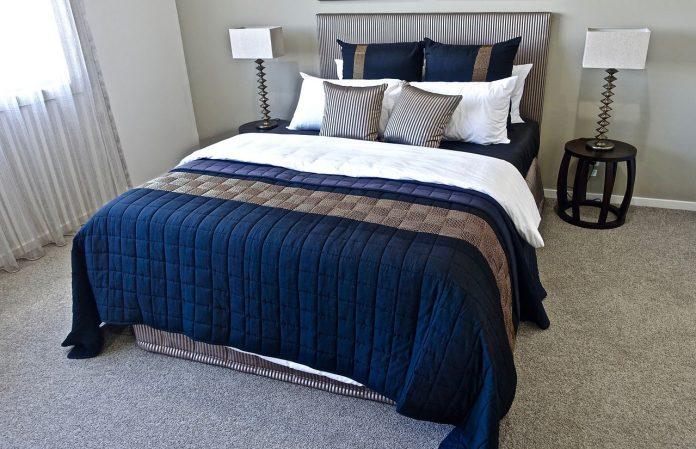 Jakie łóżko do sypialni? Jak kupić wygodne i funkcjonalne łóżko do sypialni?