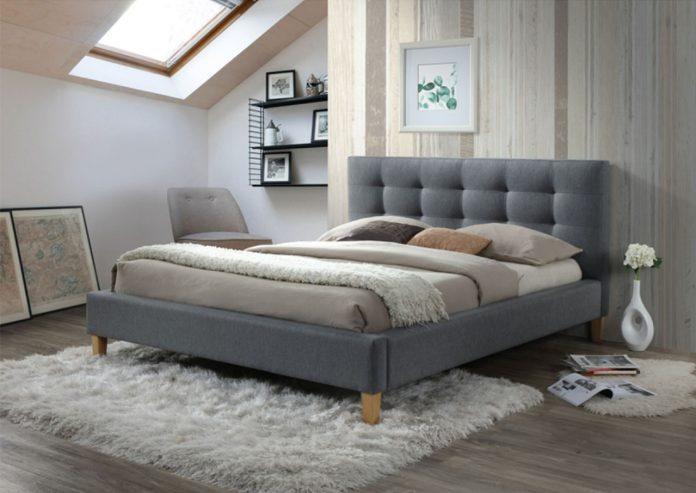 Jak zaaranżować sypialnię na poddaszu? Sprawdź sprawdzone porady